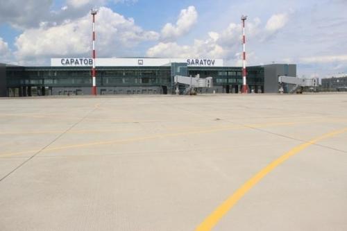 Вид на терминал со взлетной полосы. Фото: /nversia.ru